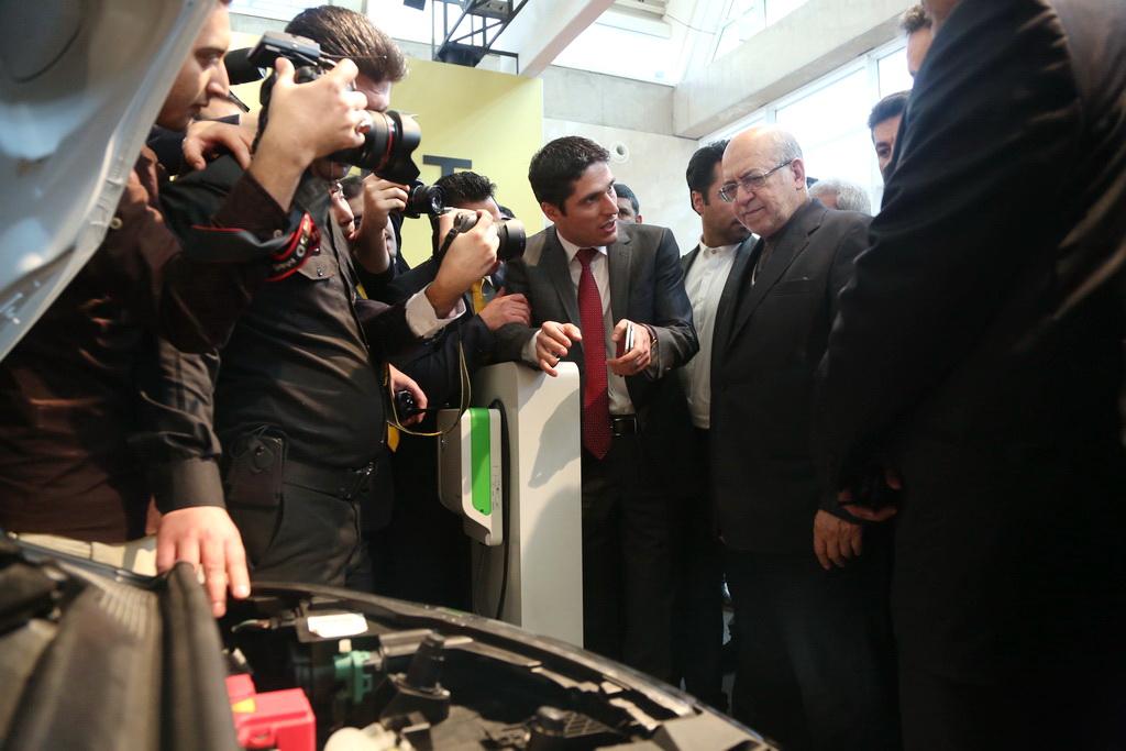 بازدید مهندس نعمت زاده از نمایشگاه بین المللی خودرو تهران و صنایع وابسته