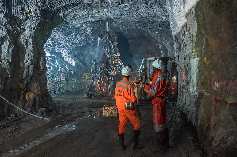 صدور 207 فقره مجوز معدنی در استان سمنان / احیا 80 معدن غیر فعال در سال گذشته
